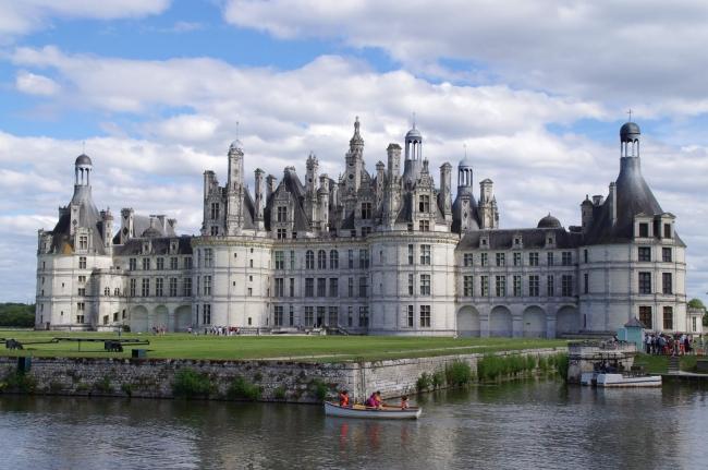 VIAJES A FRANCIA, BELGICA Y HOLANDA CON MADRID - Brujas / Bruselas / Madrid / Blois  / Lourdes / París / Tours / Valle del Loira / Amsterdam / La Haya / Róterdam /  - Paquetes a Europa