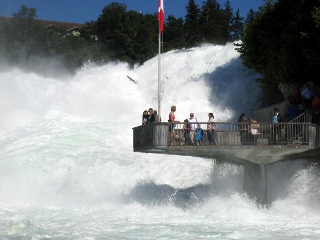 VIAJE GRUPAL A SUIZA Y ALEMANIA - Castillo de Neuschwanstein / Castillo de Neuschwanstein / Constanza / Friburgo de Brisgovia / Füssen / Gengenbach / Lindau / Meersburg / Munich / Oberammergau / Triberg / Estrasburgo / Berna / Castillo de Chillon / Cataratas del Rin / Ginebra / Glaciar del Ródano / Gruyères / Interlaken (Comuna) / La Garganta del Aare / Lucerna / Montreux / Zurich /  - Paquetes a Europa