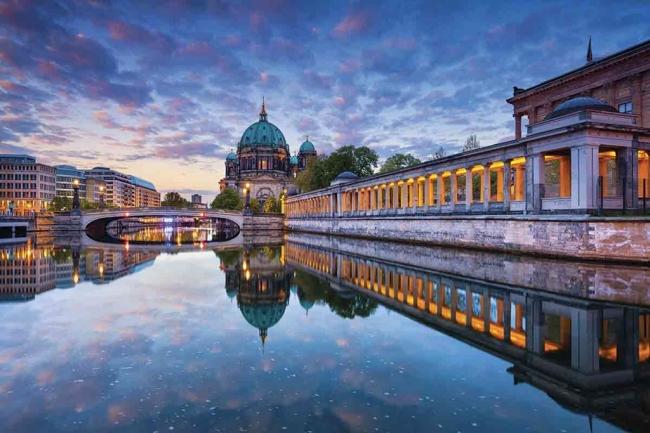 SALIDA GRUPAL A HOLANDA Y BELGICA DESDE ARGENTINA - Berlin / Viena / Brujas / Bruselas / Amsterdam / Budapest / Praga /  - Paquetes a Europa