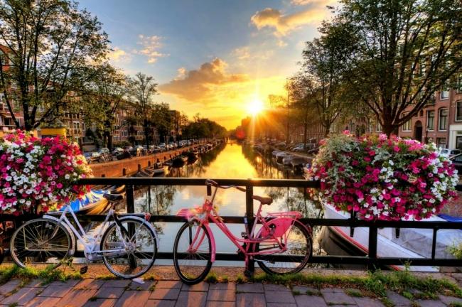 VIAJES A EUROPA: DE VIENA A PARIS DESDE ARGENTINA - Berlin / Dresde / Frankfurt / Viena / Amberes / Brujas / Bruselas / Gante / Bratislava / París / Amsterdam / Budapest / Praga /  - Paquetes a Europa